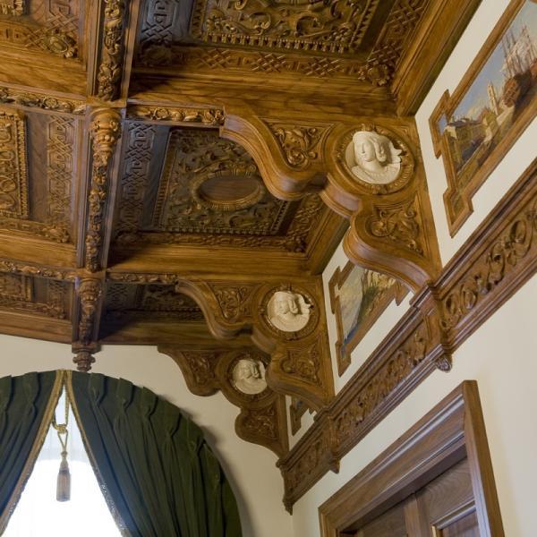 Кессоны и балки потолка